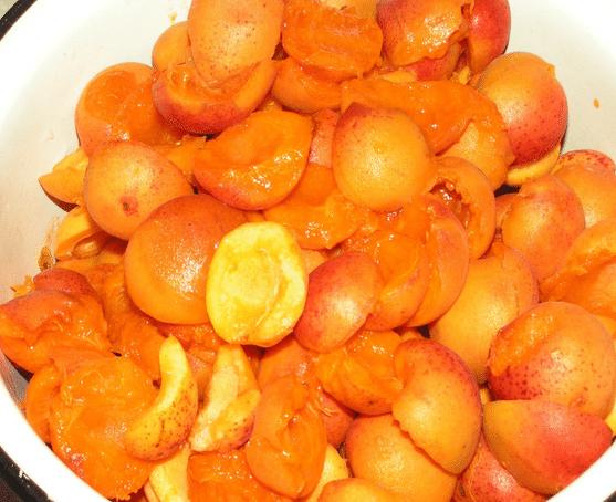 Рецепт густого варенья из абрикосов без косточек и дольками на зиму