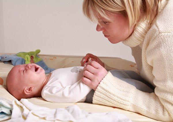 Почему не спит новорожденный ребенок?