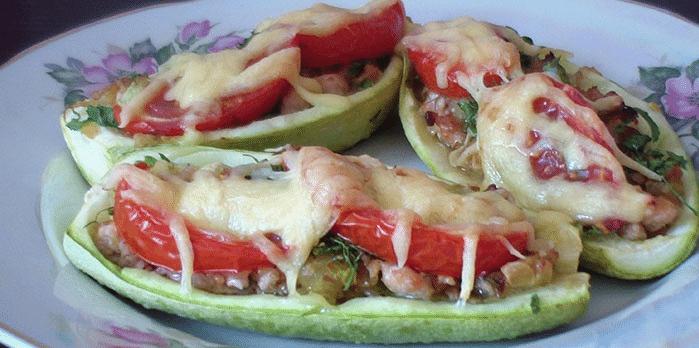 Кабачки с фаршем в духовке 2 рецепта с овощами и рисом и сыром.