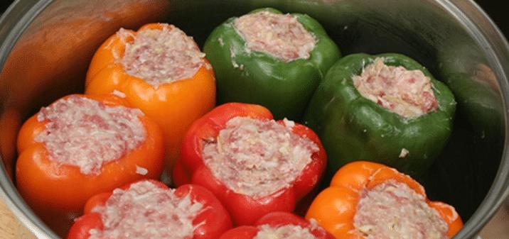 Фаршированные перцы в духовке и мультиварке с мясом и рисом.