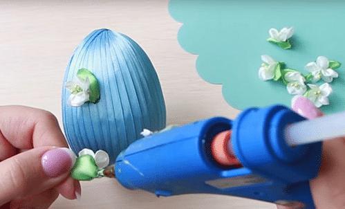 Пасхальные яйца из атласных лент своими руками в технике канзаши и артишок