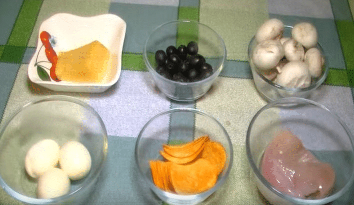 Салат подсолнух с чипсами, классический рецепт с фото