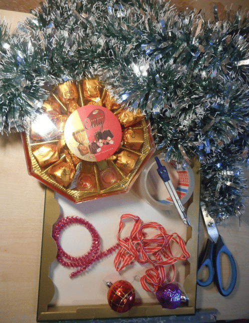 Рождественский венок своими руками из мишуры и бумаги с сюрпизом