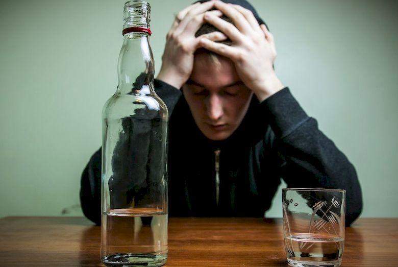 Симптомы и лечение отравления водкой