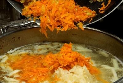 Щи из свежей и квашеной капусты: 4 пошаговых рецепта с фото