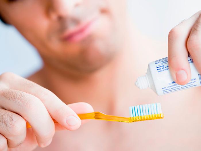 Воспаление десны под зубной коронкой