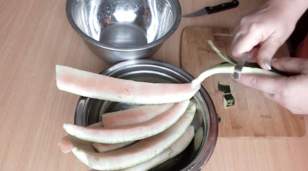 Варенье из арбузных корок, 4 самых простых рецепта на зиму