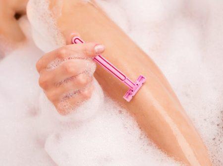 Как побрить ноги, чтобы не было раздражения