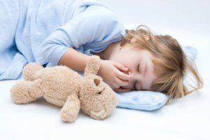Ребенок кашляет во сне