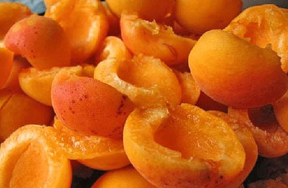 Компот из абрикосов на зиму: 3 простых рецепта приготовления компота