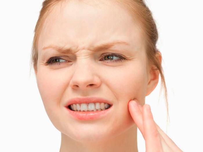 Что делать с больной десной около зуба мудрости