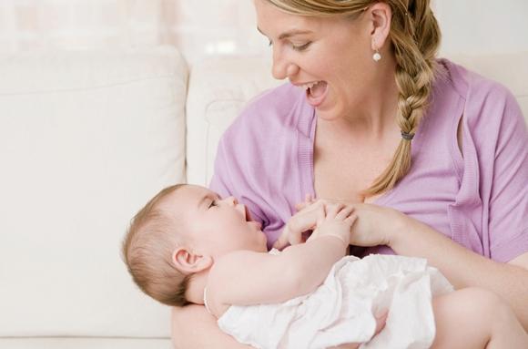 8 причин, почему ребенок отказывается от груди