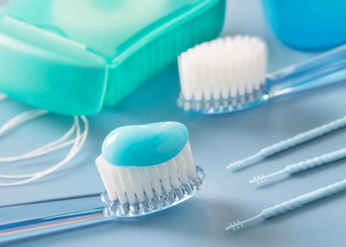 гигиена зубных протезов