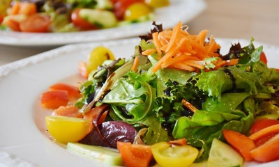 letnie-salaty-bez-majoneza